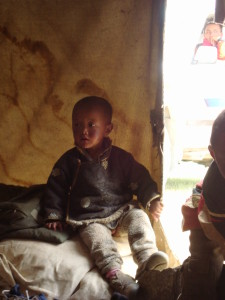 Dítě_tibetských_nomádů_Chantang_Ladak_Indie_2011