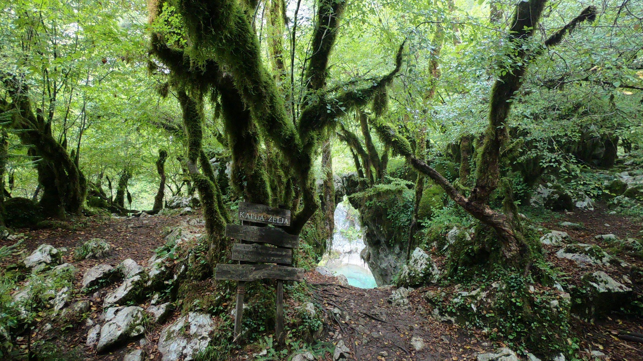 Brána přání, kaňon řeky Mrtvica, Černá Hora